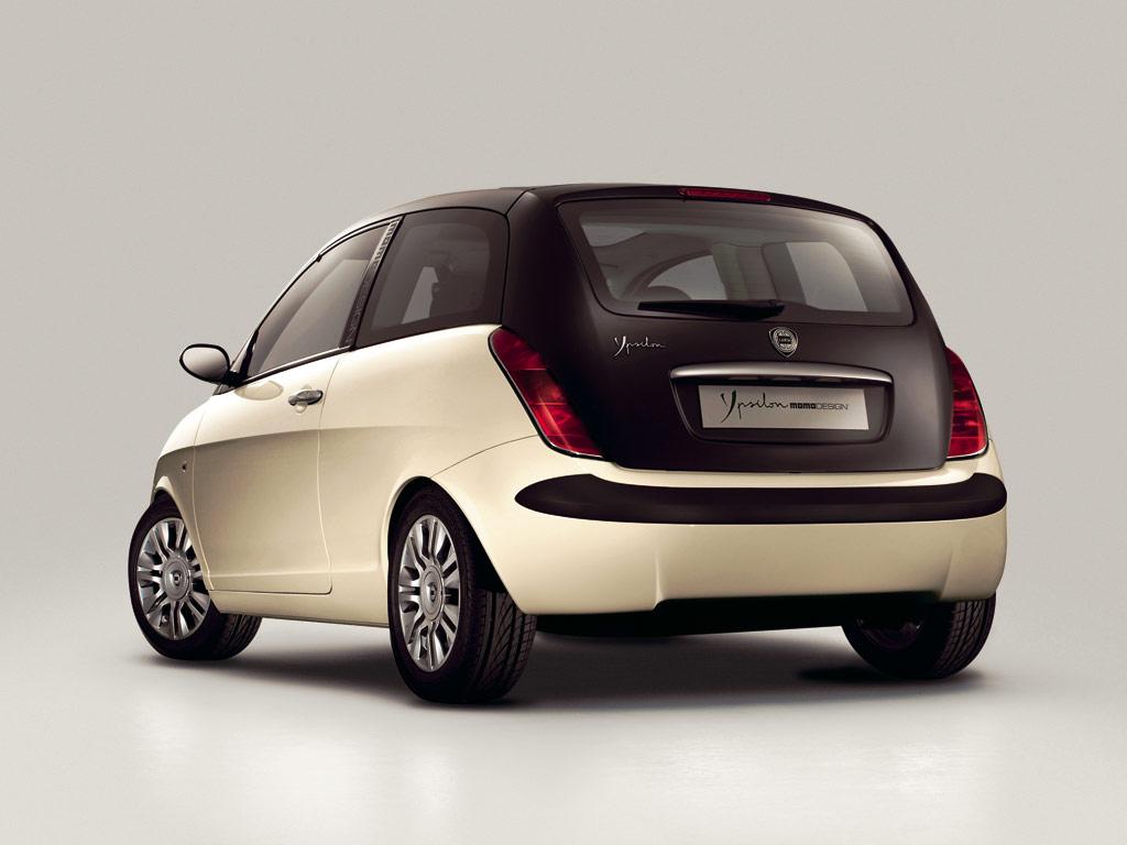 https://www.conceptcarz.com/images/Lancia/lancia_ypsilon_momo_manu-06_03.jpg