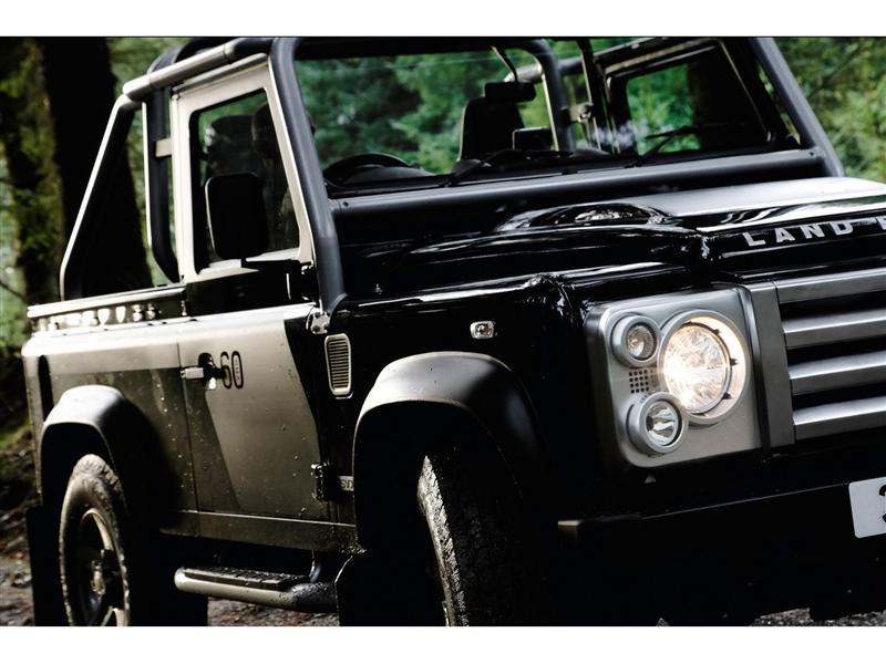 https://www.conceptcarz.com/images/Land%20Rover/2008-Land-Rover-Defender-SVX-05-800.jpg