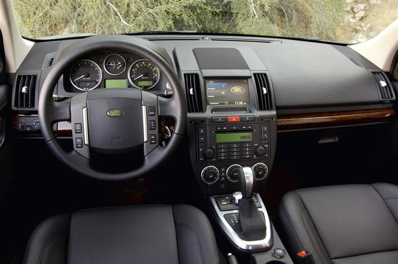 2010 Land Rover LR2 Image. Photo 4 of 45