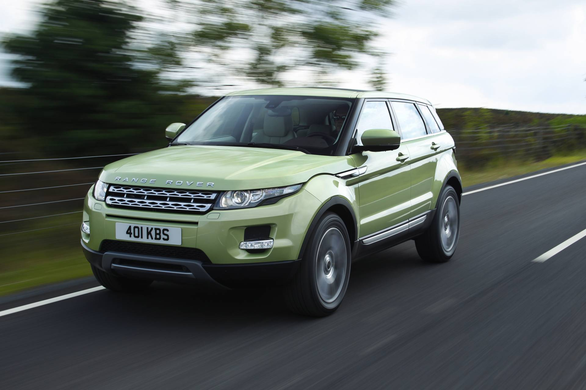 https://www.conceptcarz.com/images/Land%20Rover/2012-Land-Rover-Range-Rover-Evoque-04.jpg