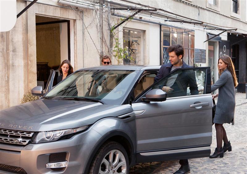 https://www.conceptcarz.com/images/Land%20Rover/2014-Range-Rover-Autobigoraphy-06-800.jpg