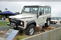 1997 Land Rover Defender image.