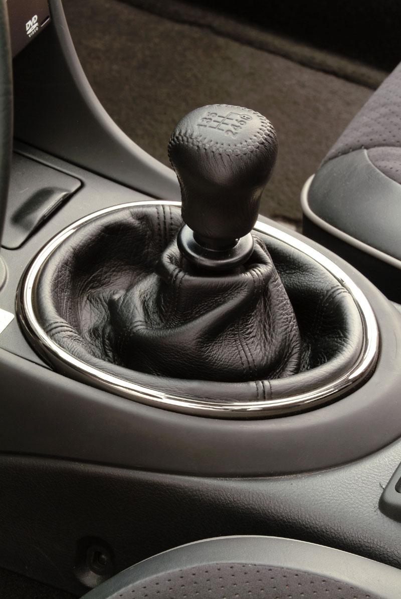 https://www.conceptcarz.com/images/Lexus/03LexusIS430_manu_08.jpg