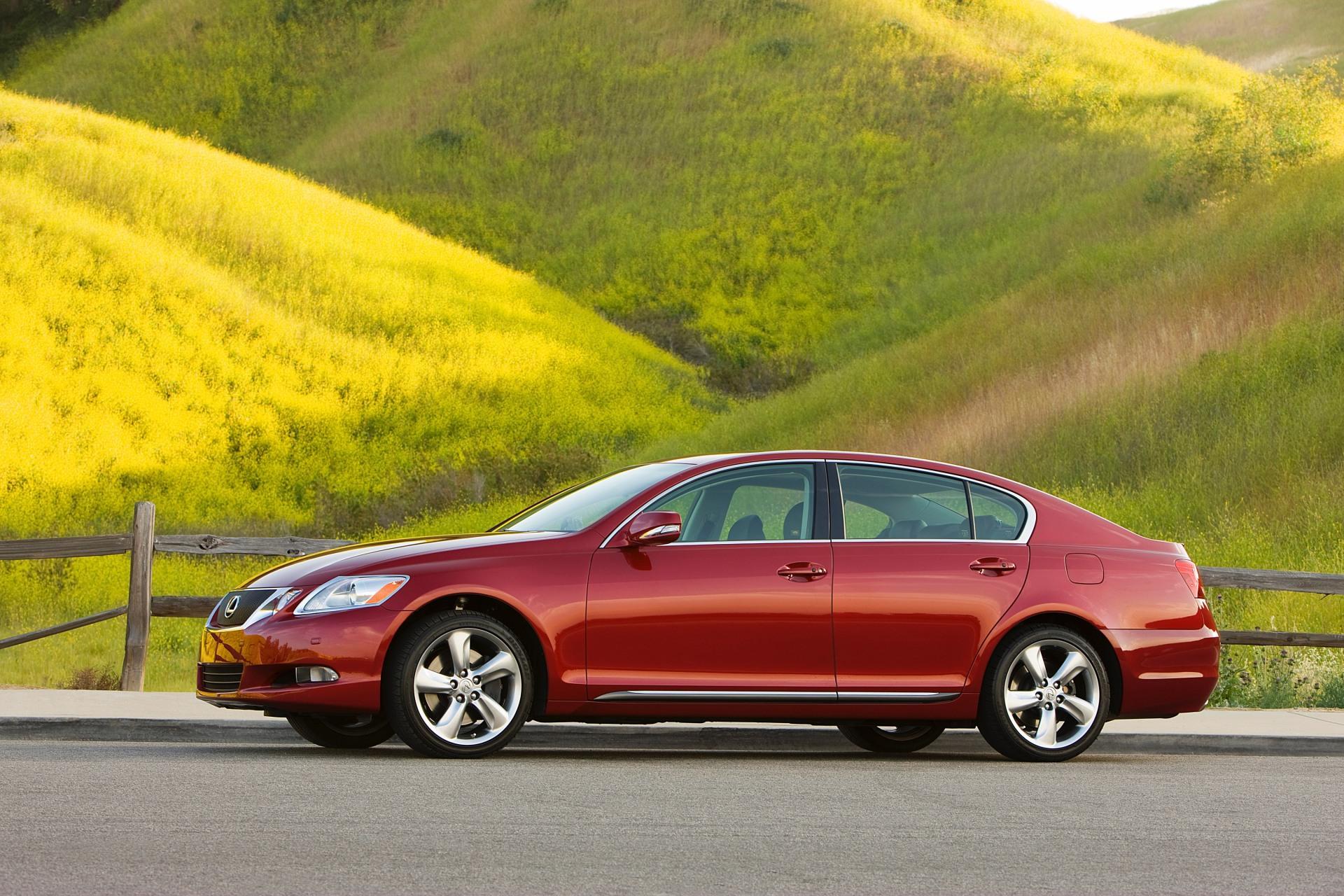 https://www.conceptcarz.com/images/Lexus/2010-Lexus-GS_Image-01.jpg