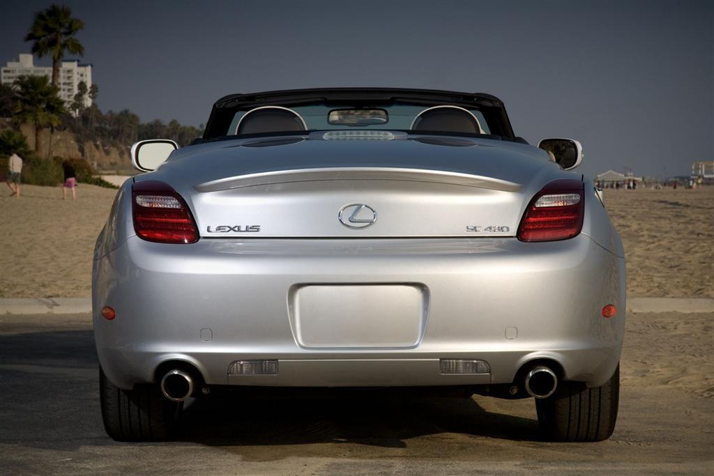 https://www.conceptcarz.com/images/Lexus/2010-Lexus-SC430-Coupe-Image-06-1024.jpg