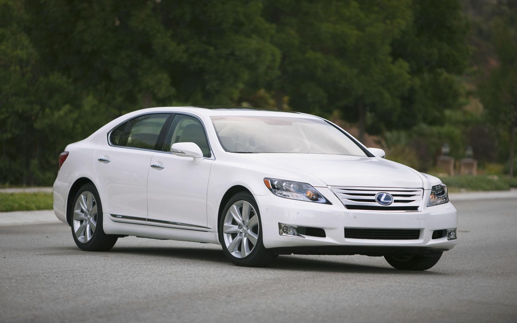 https://www.conceptcarz.com/images/Lexus/2011_Lexus-LS-600h_L_Sedan-Image-09-1680.jpg