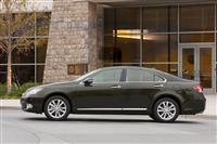 Lexus ES 350 Monthly Vehicle Sales