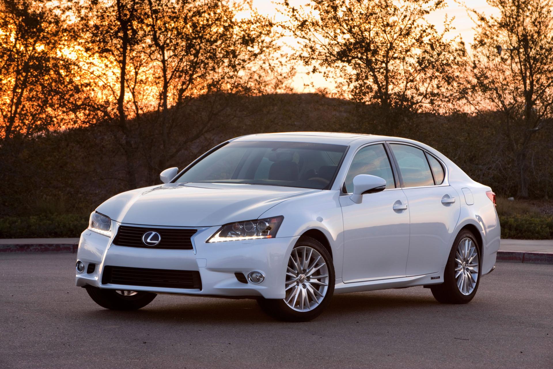 https://www.conceptcarz.com/images/Lexus/2014-Lexus-GS_450H_Hybrid-01.jpg
