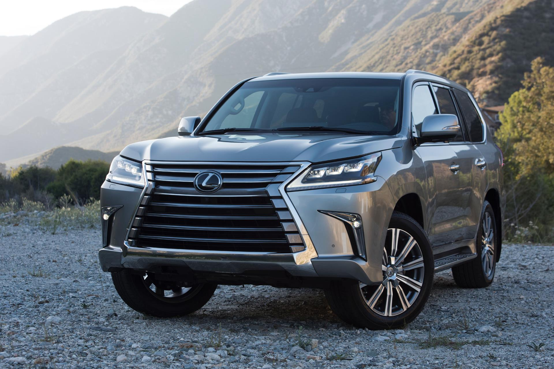 2016 Lexus LX 570 News and Information