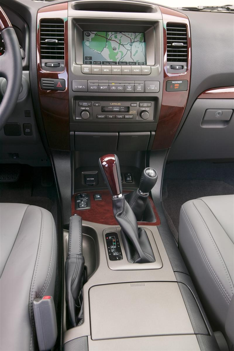 https://www.conceptcarz.com/images/Lexus/Lexus-GX-470_2009_Image-i011-800.jpg