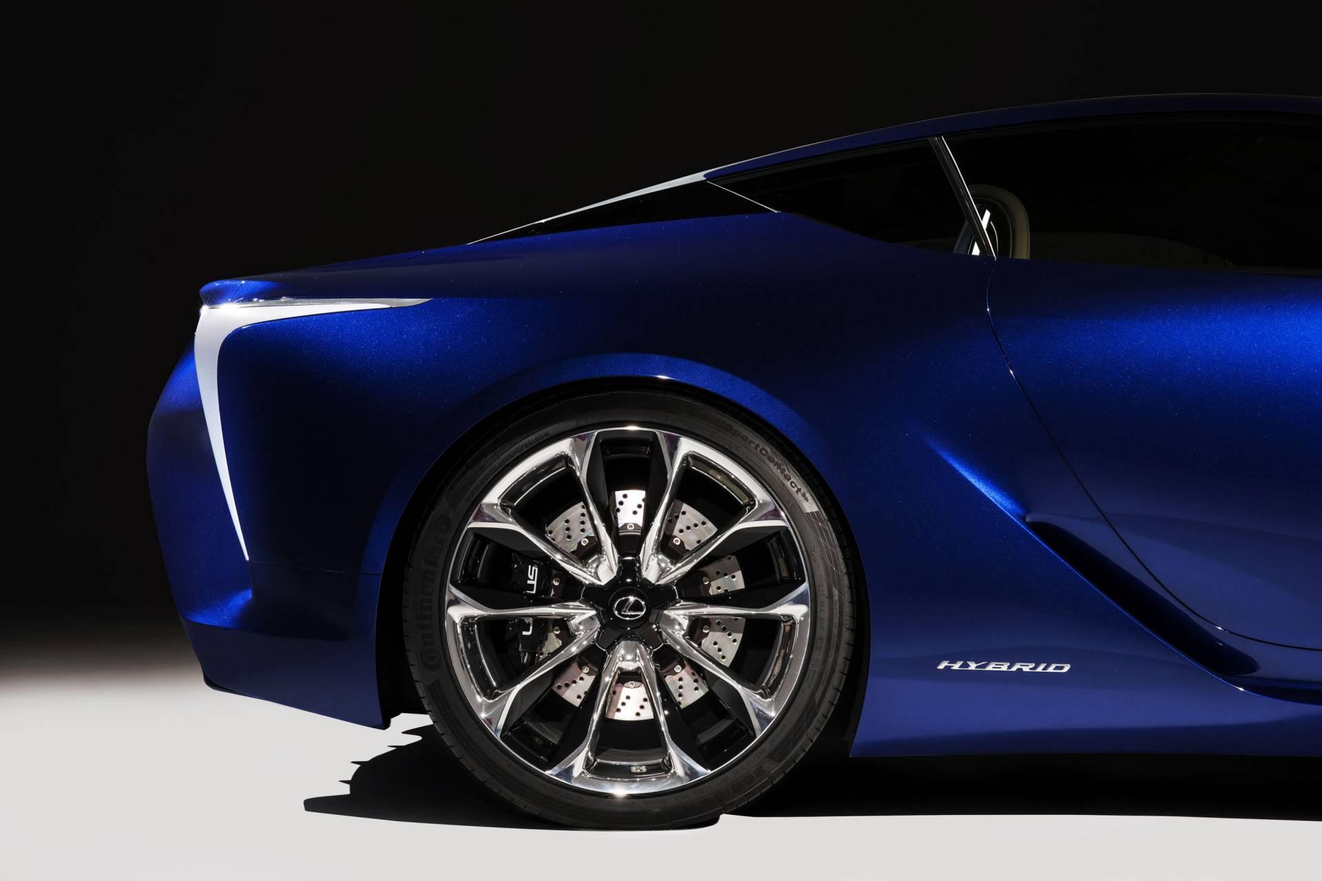 спортивный автомобиль синий Lexus LC без смс