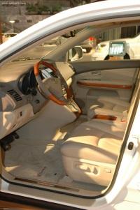 2006 Lexus RX image.