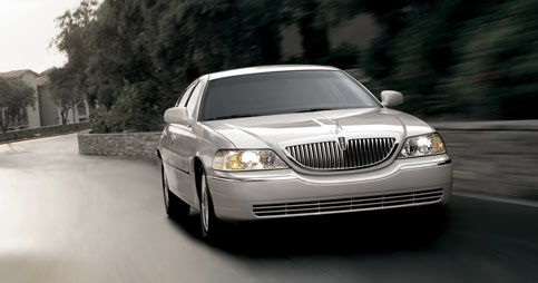 2005 Lincoln Town Car History Pictures Value Auction Sales