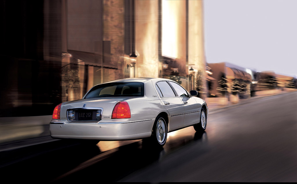 2006 Lincoln Town Car Image Photo 4 Of 11