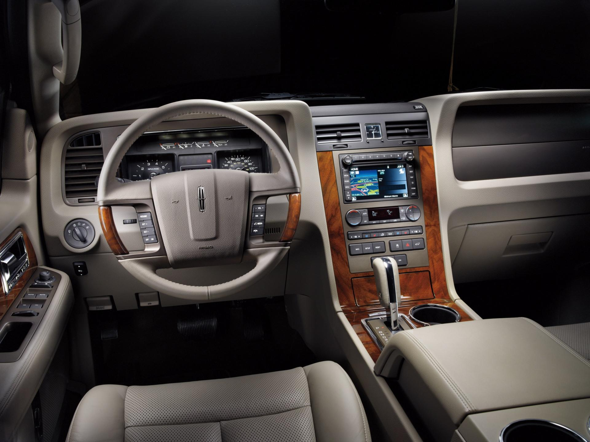 cars lincoln listing sales by and used in vdp ct s all navigator sale h auto stratford for