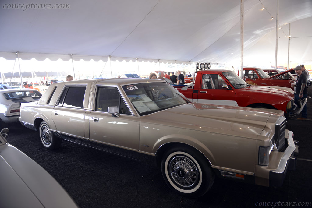 1988 Lincoln Town Car History Pictures Value Auction