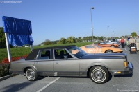 1989 Lincoln Town Car image.