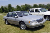 1990 Lincoln Continental image.