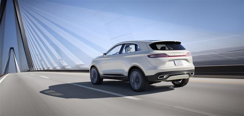https://www.conceptcarz.com/images/Lincoln/Lincoln-MKC-Concept-Crossover-014-800.jpg