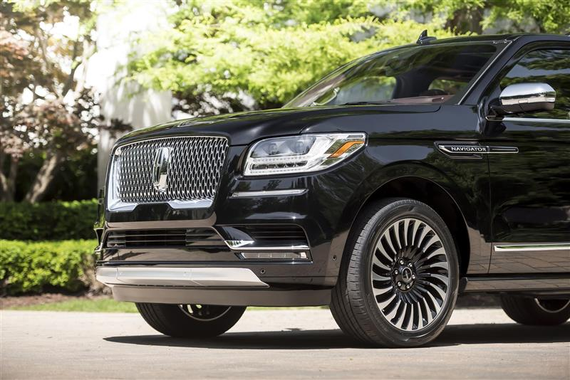 2018 Navigator Black Label >> 2018 Lincoln Navigator Black Label Image. Photo 9 of 12