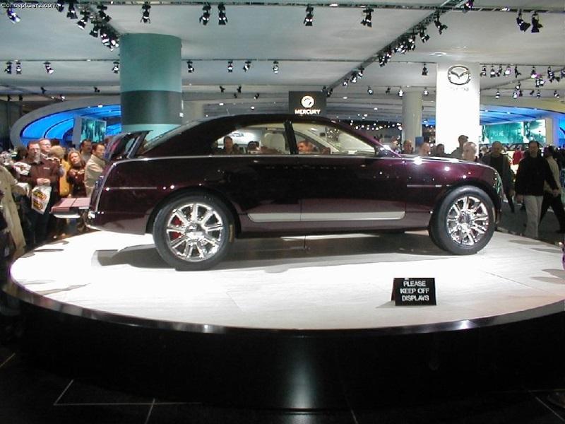 https://www.conceptcarz.com/images/Lincoln/buick_navicross_detroit_a_03_km_02-800.jpg