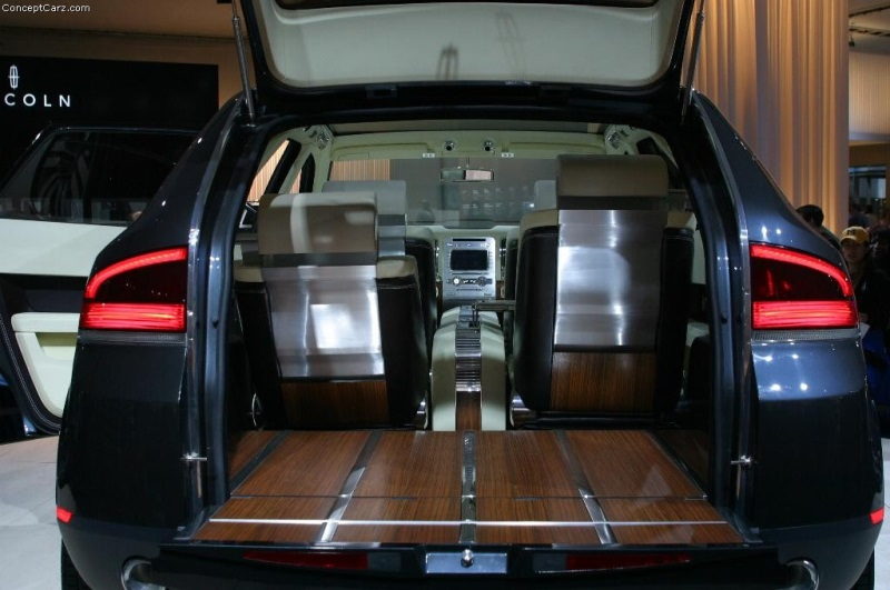 2004 Lincoln Aviator Concept Image Photo 26 Of 33