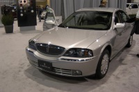2004 Lincoln LS image.