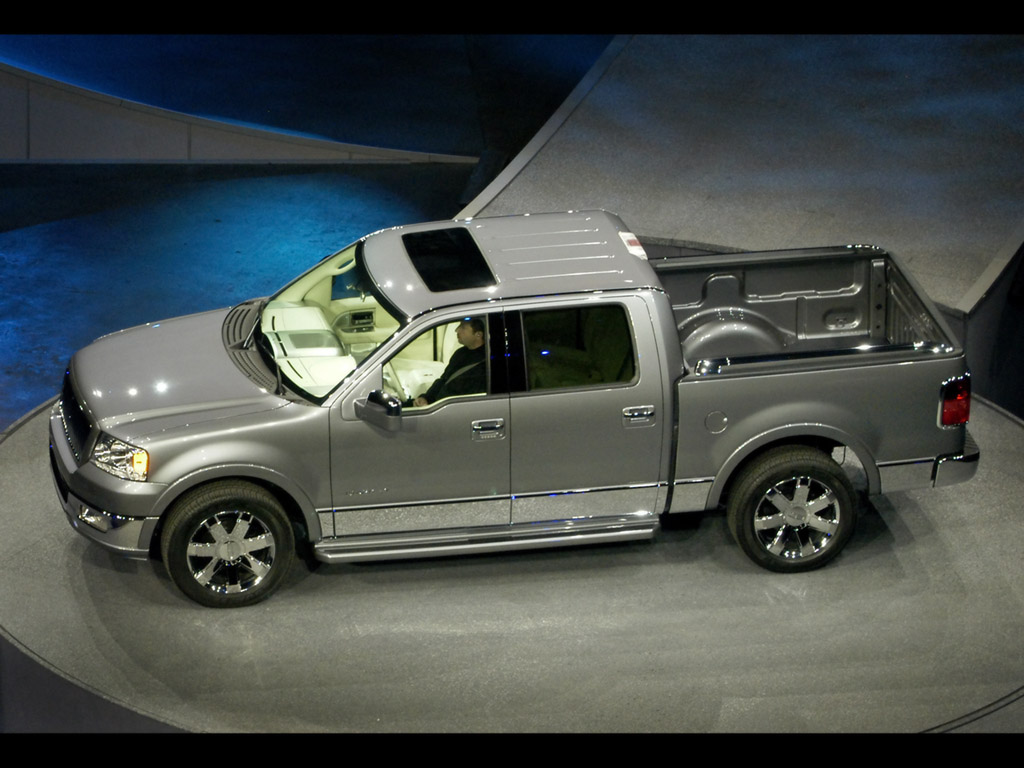 https://www.conceptcarz.com/images/Lincoln/lincoln_mark_LT_hr-manu-06-016.jpg
