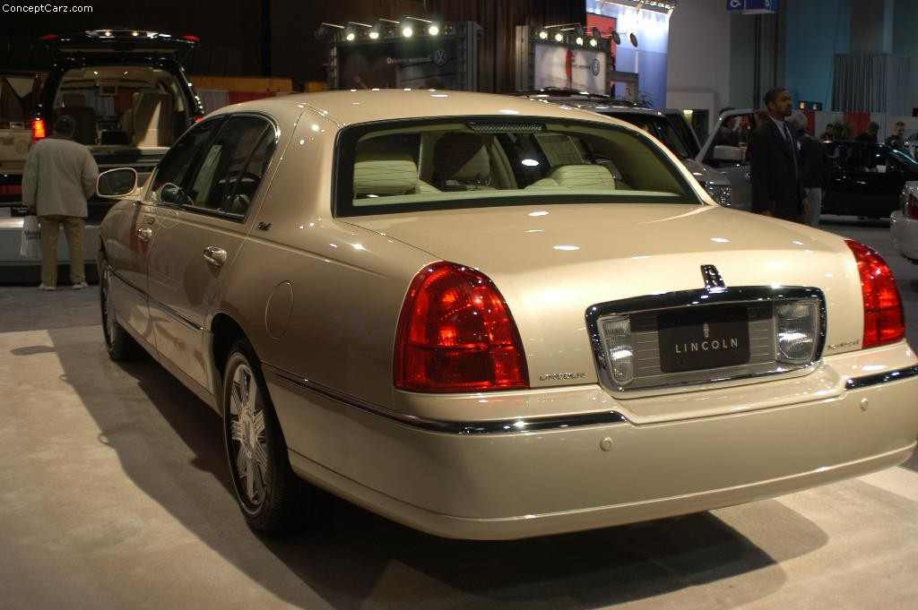 Auction Results And Sales Data For 2003 Lincoln Town Car