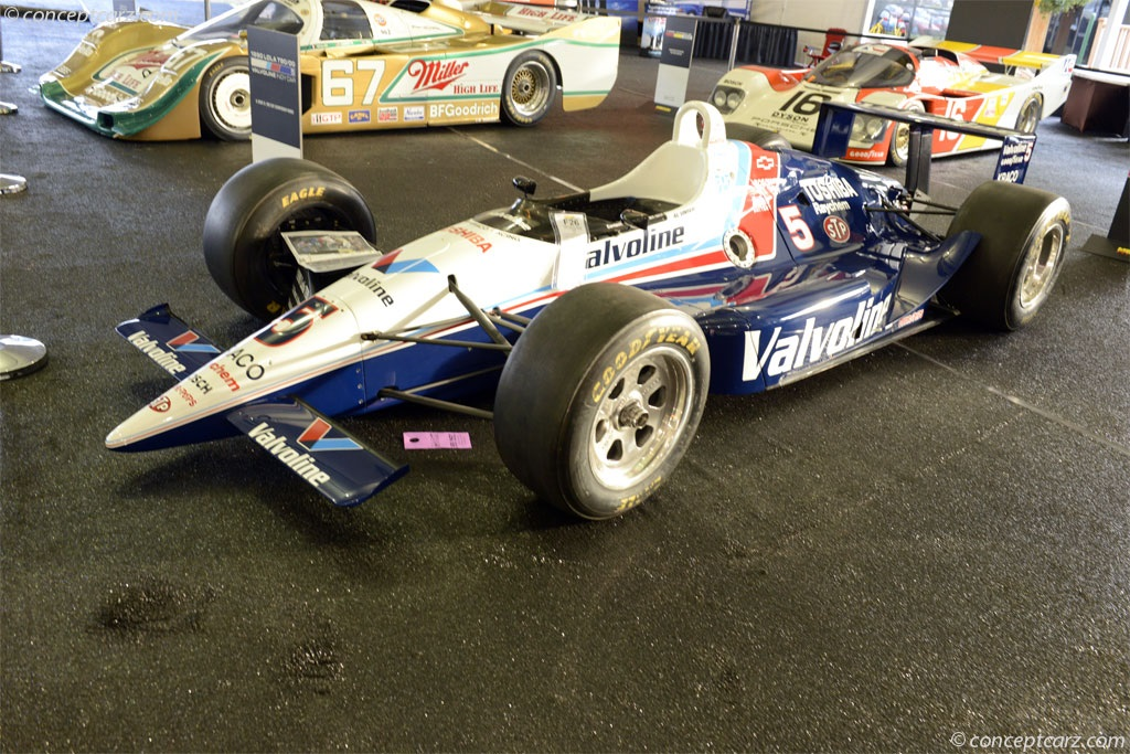 1990 Lola T90 pictures and wallpaper