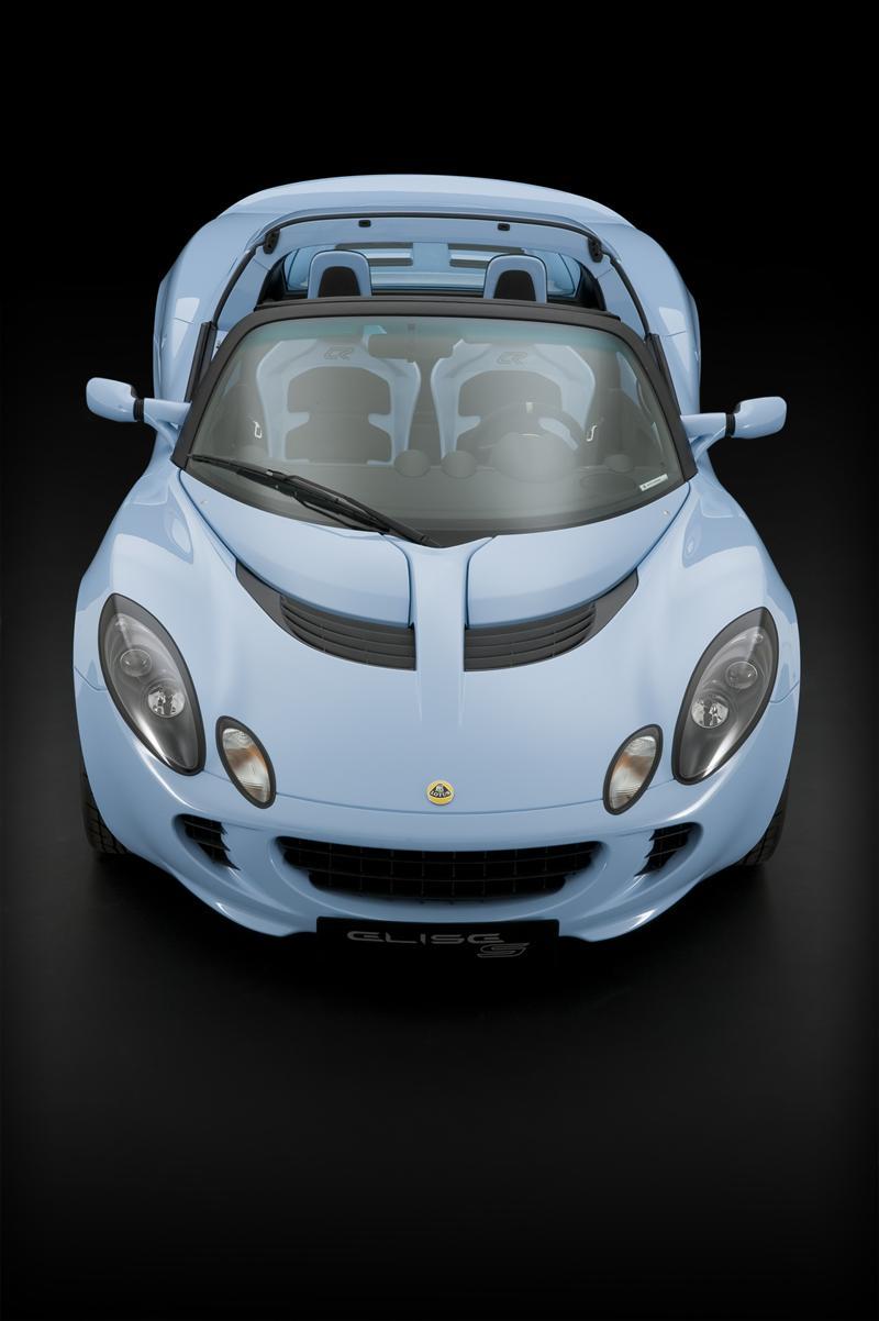 https://www.conceptcarz.com/images/Lotus/2010-Lotus-Elise-Club-Racer-Image-01-800.jpg