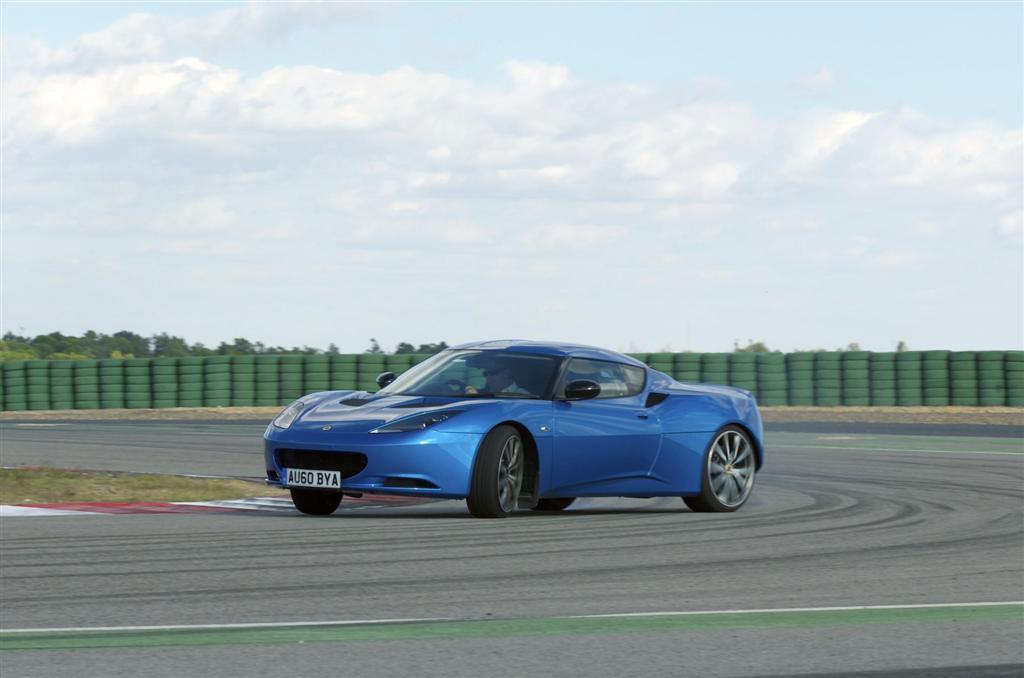 https://www.conceptcarz.com/images/Lotus/Lotus-Evora-Sport-Racer-2013-03-1024.jpg