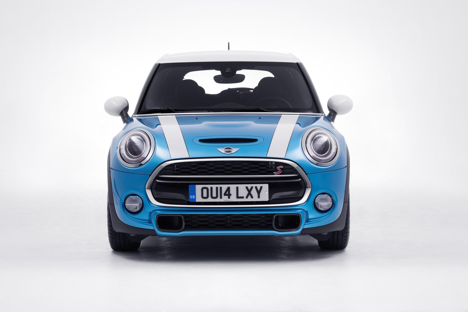 2015 MINI Cooper 5-door News and Information