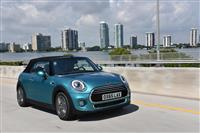 2016 MINI Convertible image.