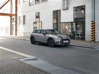 2017 MINI Black Pack Clubman image.