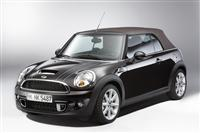 2012 MINI Convertible Highgate image.