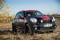 2013 MINI X-RAID Countryman Off-Road Design image.