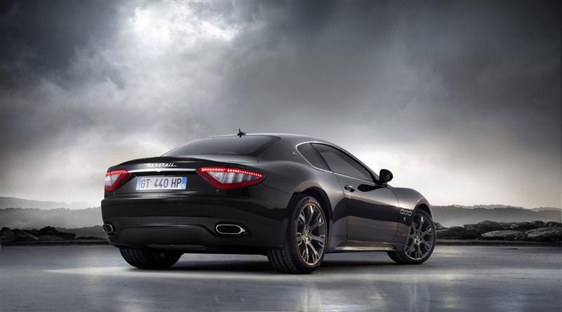 https://www.conceptcarz.com/images/Maserati/08-Maserati_GranTurismo_S_01-800.jpg