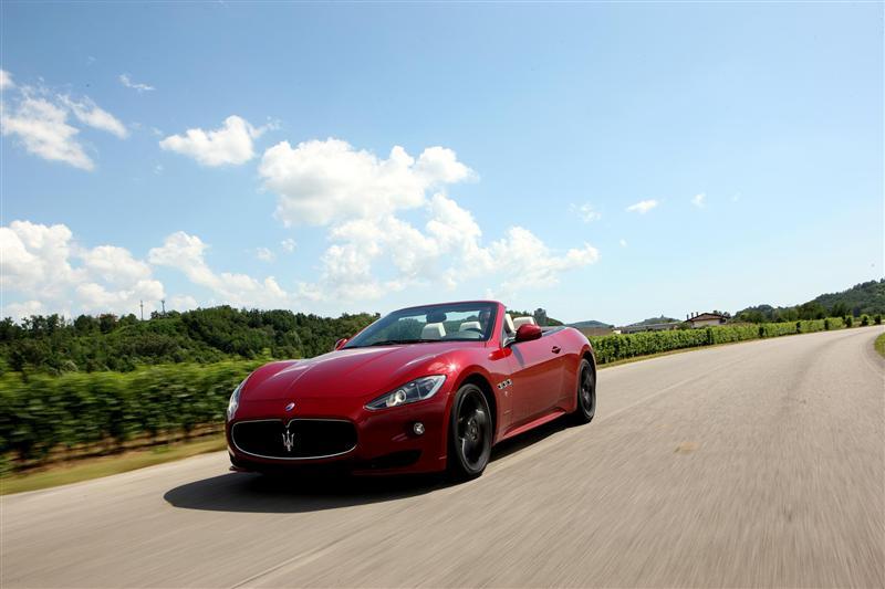 https://www.conceptcarz.com/images/Maserati/2012-Maserati-GranCabrio-Sport-Image-011-800.jpg