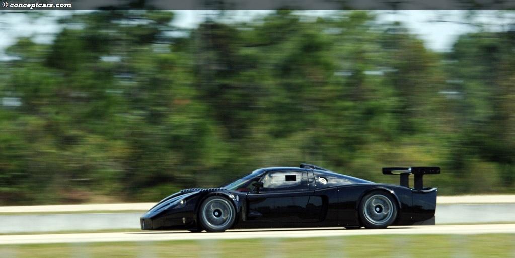 https://www.conceptcarz.com/images/Maserati/maserati_MC12_Black_DV-08_MC_05.jpg