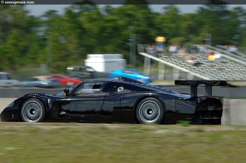 https://www.conceptcarz.com/images/Maserati/maserati_MC12_Black_DV-08_MC_07-800.jpg