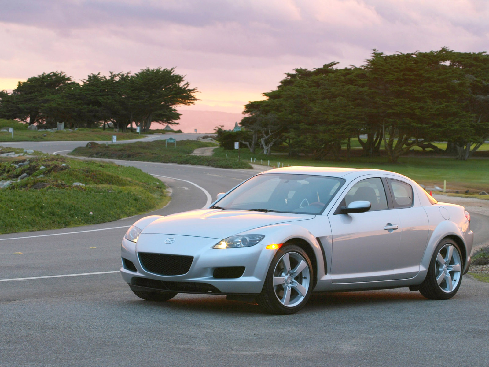 2005 mazda rx-8 image. https://www.conceptcarz/images/mazda