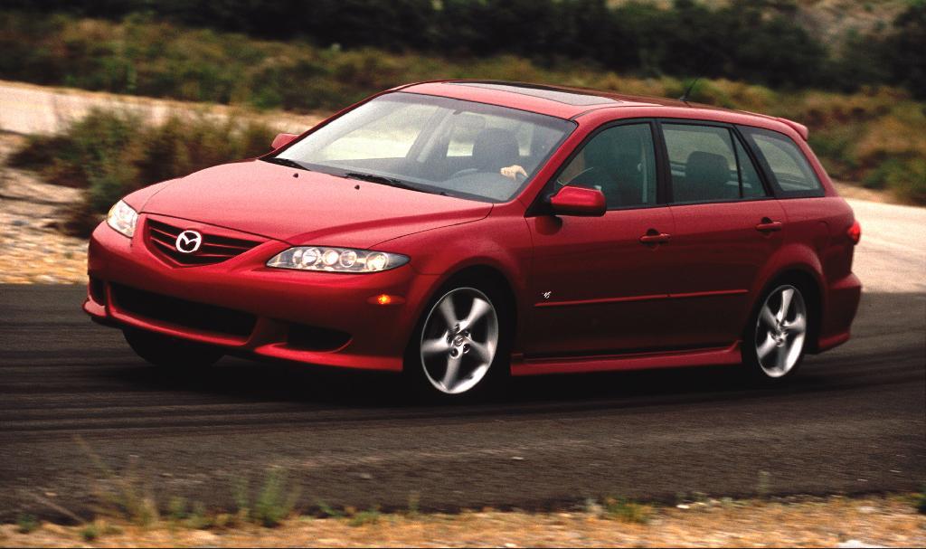 https://www.conceptcarz.com/images/Mazda/2006-mazda_6_manu_001.jpg