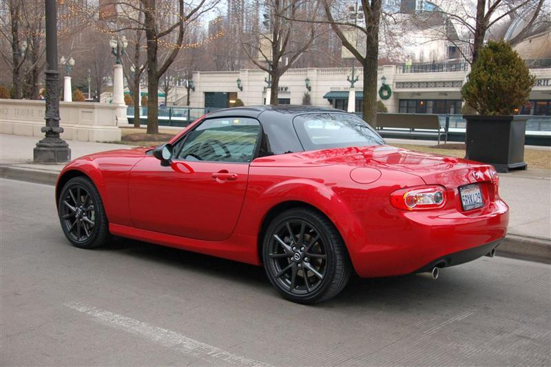 https://www.conceptcarz.com/images/Mazda/2012_Mazda_MX-5_Miata-Special-Edition-0003-800.jpg