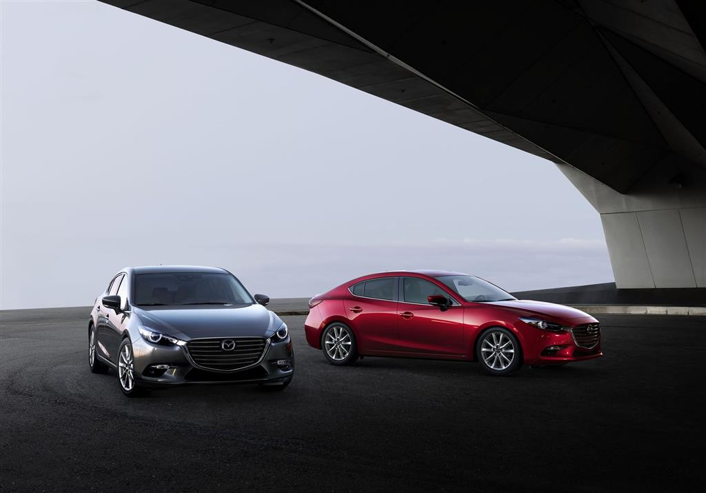 https://www.conceptcarz.com/images/Mazda/2018-mazda3-image-031-1024.jpg
