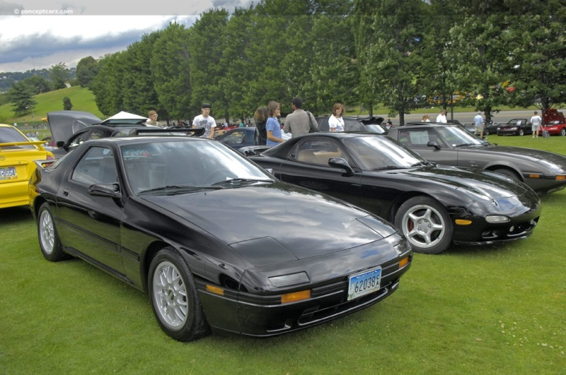 1988 mazda rx 7 at the pittsburgh vintage grand prix parade and shows. Black Bedroom Furniture Sets. Home Design Ideas