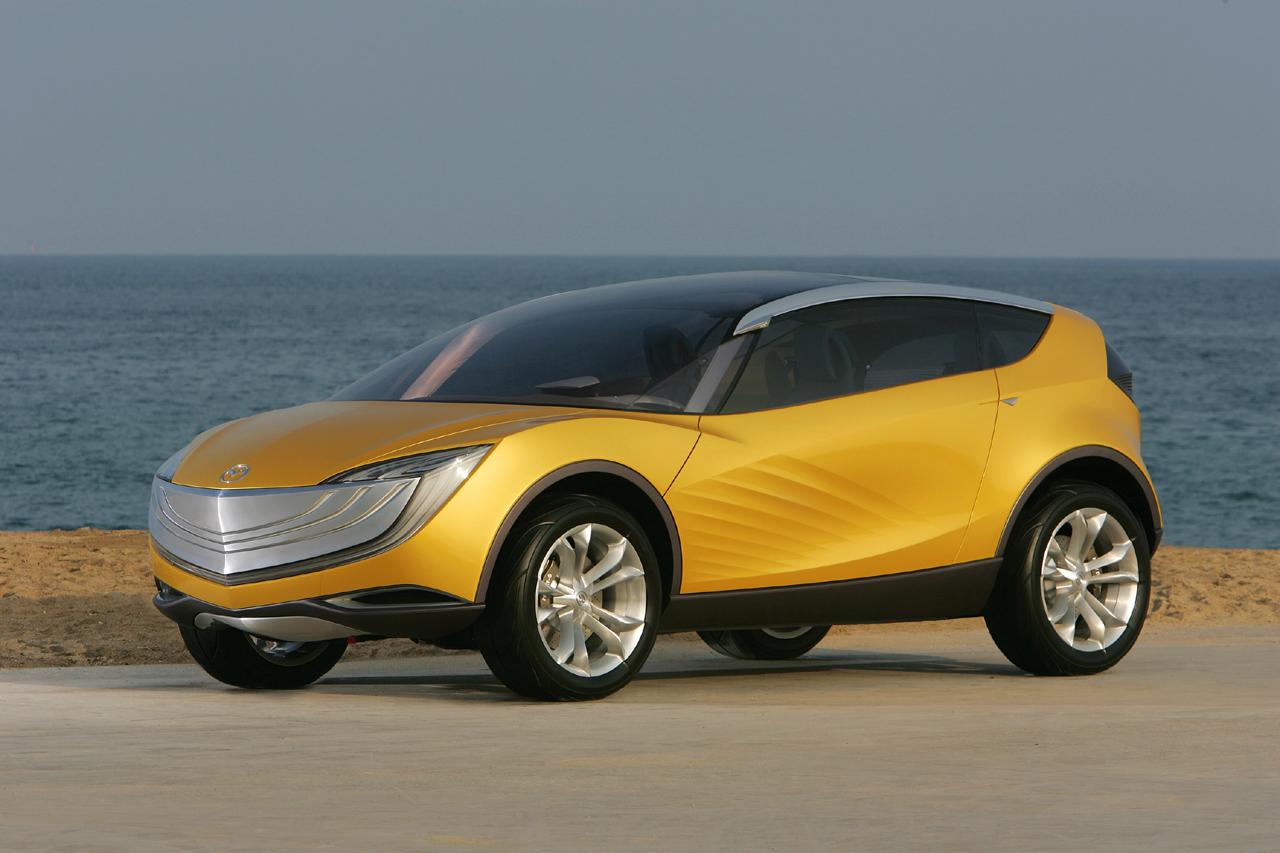 https://www.conceptcarz.com/images/Mazda/mazda_hakaze_concept_manu-07_01.jpg