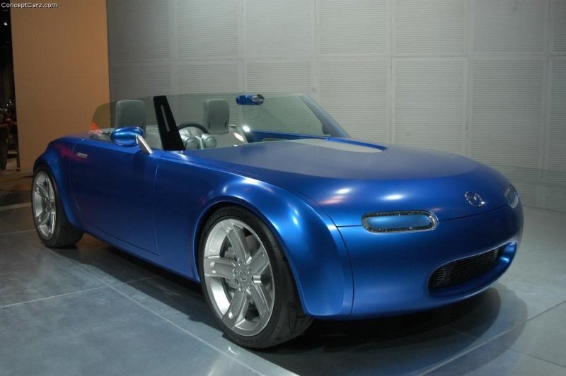 https://www.conceptcarz.com/images/Mazda/mazda_ibuki_chicago_04_dv_013-800.jpg