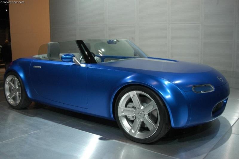 https://www.conceptcarz.com/images/Mazda/mazda_ibuki_chicago_04_dv_044-800.jpg