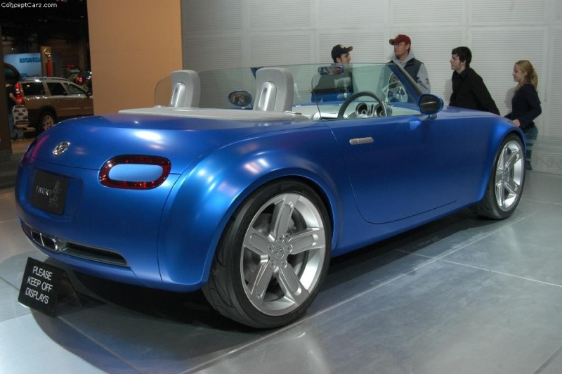 https://www.conceptcarz.com/images/Mazda/mazda_ibuki_chicago_04_dv_09-800.jpg
